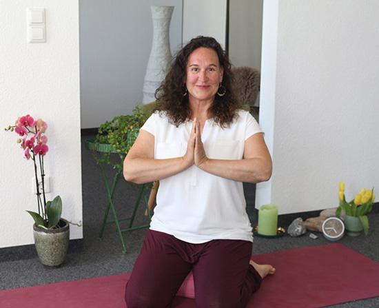 Claudia-Dorn-Yogalehrerin-Yogatherapie-Yoga Lindau