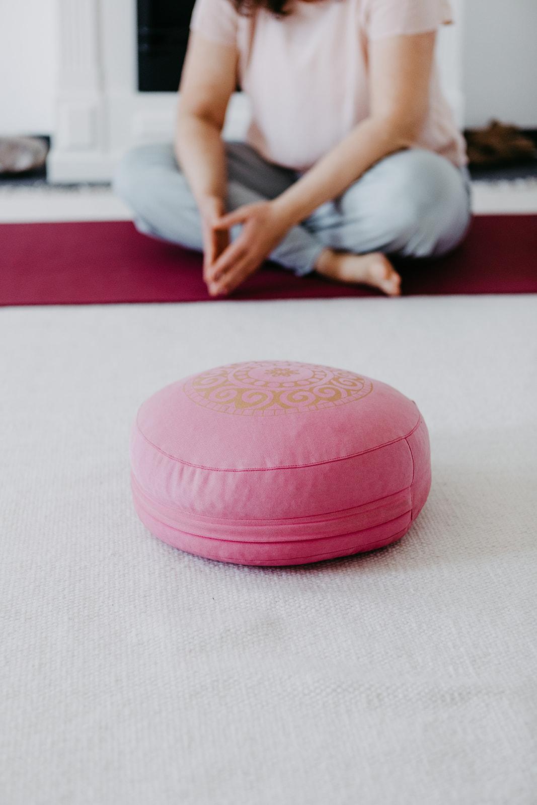 Claudia-Dorn-Yogalehrerin-Yogatherapie-Trauma-Therapeutin